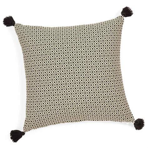 deco chambre bord de mer housse de coussin à pompons en coton 40 x 40 cm ethnic