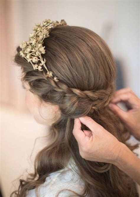 unique  latest wedding hairstyles  medium length