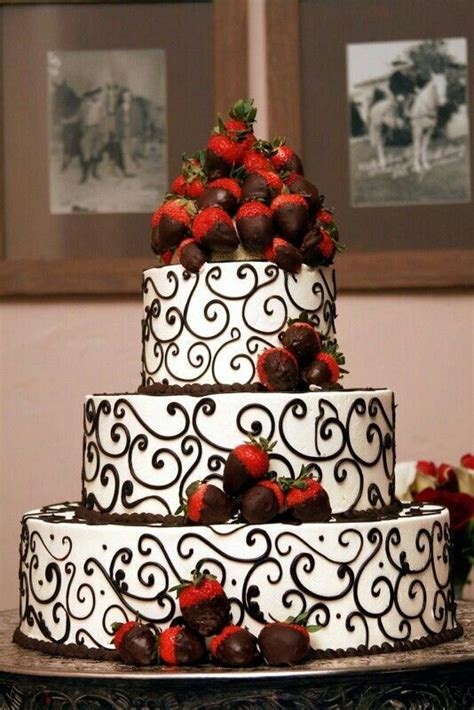 black  white detailed wedding cake  chocolate