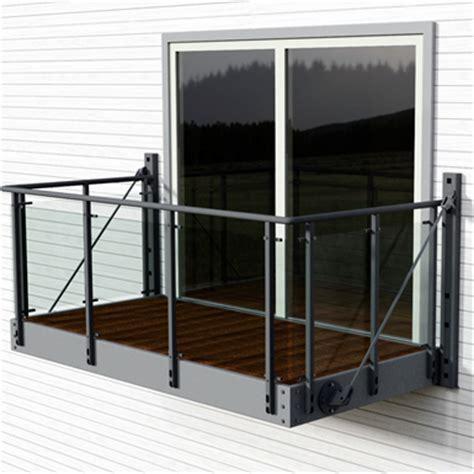 balcony  vinstra glass railing midthaug  bim