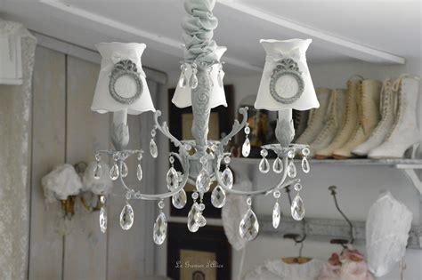 abat jour romantique chambre lustres patinés pour chambres d 39 hôtes sur avignon le