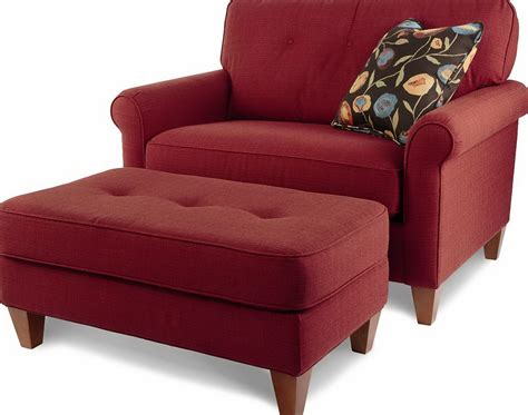 Modern Decoration Living Room With Crimson Red Hand Tied