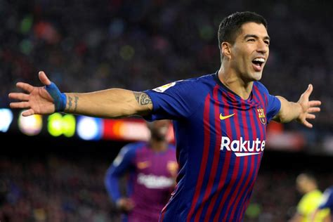 Barcelona's Luis Suarez Has Hat-trick Vs. Real