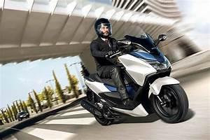 Scooter Forza 125 : honda forza 125 best 125cc bikes best 125cc bikes 2018 auto express ~ Medecine-chirurgie-esthetiques.com Avis de Voitures