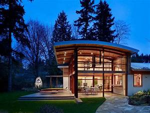 Garden Home Sparkling Under A Curved Roof And Natural