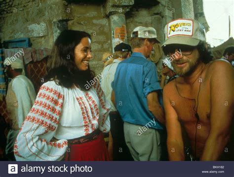 STEVEN SPIELBERG (DIR) O/S 'RAIDERS OF THE LOST ARK' (1981 ...