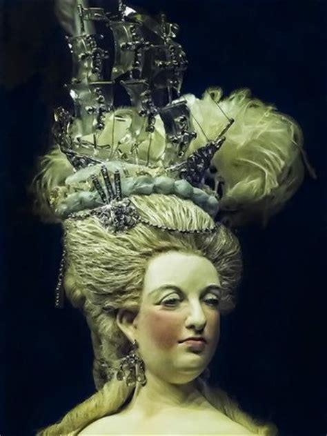 Closeup of Queen Marie Antoinette wearing the Regent ...