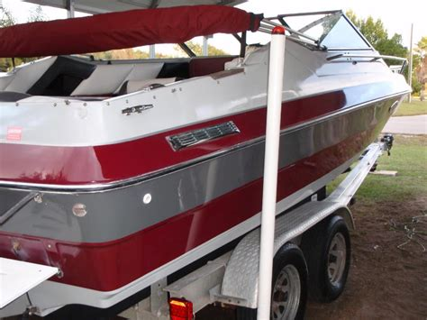 boat detailing  cleaning services