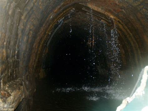 standedge tunnel huddersfield narrow canal