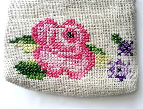 cross stitch simple flower pattern   cross stitch