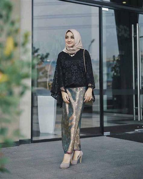 Selamat datang di hijablili.com menyediakan jasa jahit online dan jual busana muslim & muslimah yang bisa disesuaikan dengan. 30+ Model Kebaya Muslim (MODERN, INSPIRASI, DRESS, DESAIN)