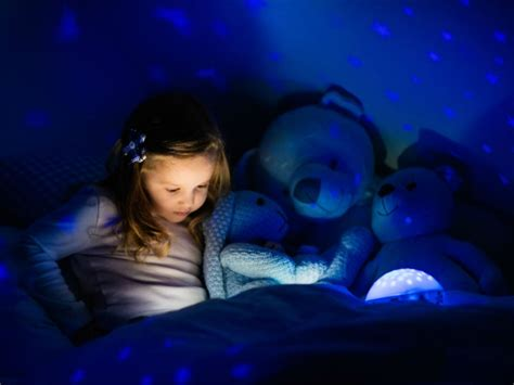 7 Simple Tips To Help Your Kids Sleep Well During The Holidays