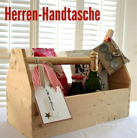 Maennerhandtasche Biertraeger Aus Holz Selber Basteln by Die Besten 25 M 228 Nnerhandtasche Ideen Auf