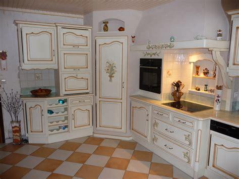 carrelage mural cuisine provencale cuisine proven 231 ale en ch 234 ne cuisines liebart