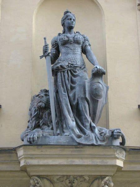 statue warrior athena sword lion boudica shield