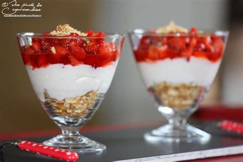 trifle 224 la fraise et au fromage blanc par une pinc 233 e de gourmandise