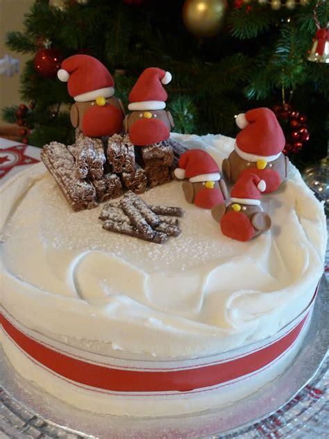cakes to make at christmas christmas cake inspiration to create festive robins cake garden tea cakes and me