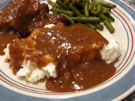 how to make gravy from beef drippings beef gravy recipe genius kitchen
