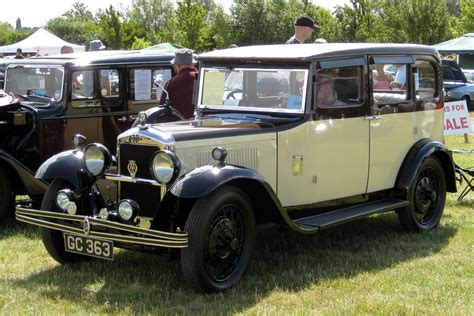 Singer Saloon Probably 1930s.jpg