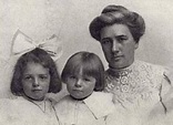 Jack London's first wife, Bessie Maddern, with daughters ...
