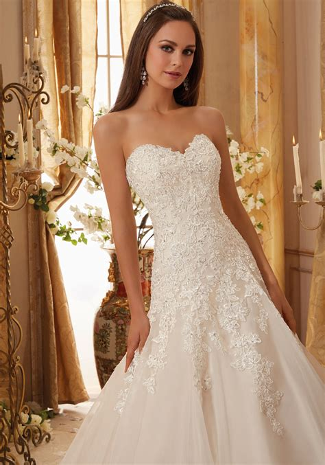 beaded lace appliques  organza wedding dress style