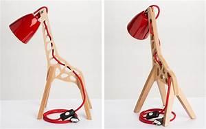 Lampe Design Bois : lampe design en bois en forme de girafe ~ Teatrodelosmanantiales.com Idées de Décoration