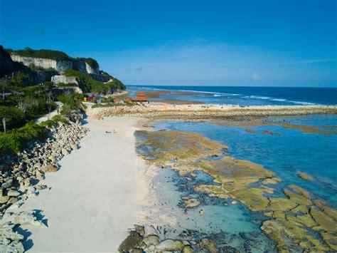 objek wisata pantai melasti ungasan bali bali getaway