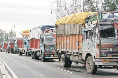 Govt To Ban Trucks Older Than 15 Years As Cities Choke On