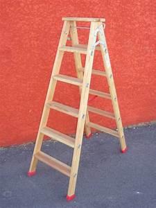 Escabeau En Bois Decoratif : echelle 31 escabeau double en bois hauteur m 5 marches ed3105 ~ Dode.kayakingforconservation.com Idées de Décoration