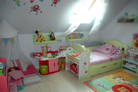chambre enfant 2 ans idee chambre bebe 2 ans mambobc