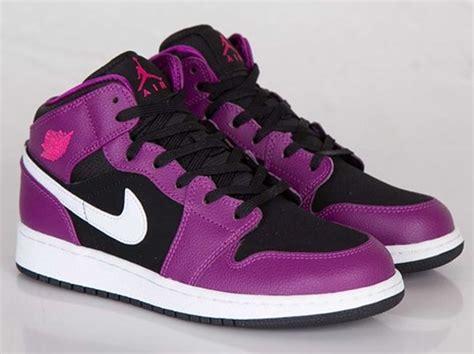 Air Jordan 1 Mid Gs  Bright Grape  Vivid Pink