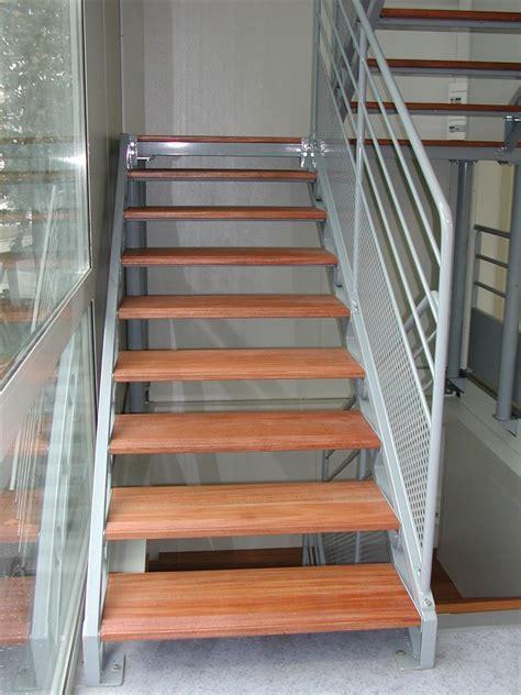 escaliers droits 224 g 233 om 233 trie variable en acier galvanis 233