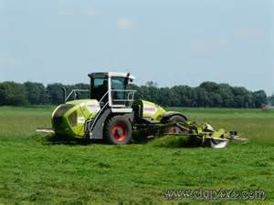 Tractors - Farm Machinery: Claas Cougar