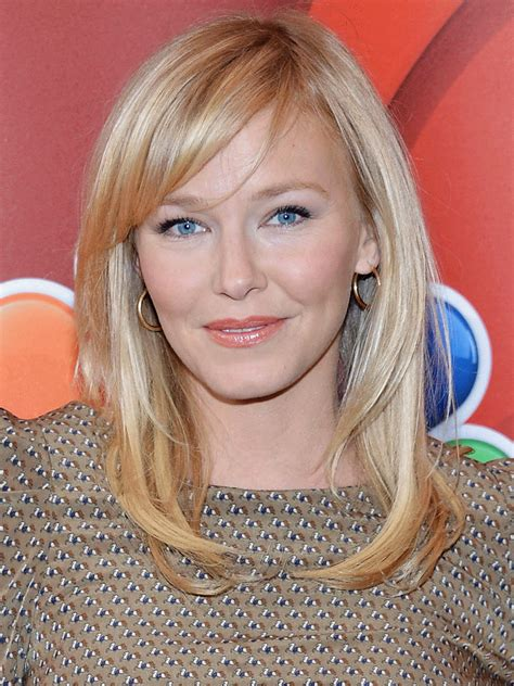 kelli giddish biography celebrity facts  awards tv guide