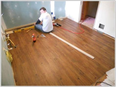 peel and stick laminate wood flooring peel and stick laminate flooring flooring home 9079