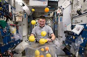 What do astronauts eat in space? - Science & Tech - The ...