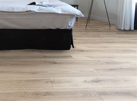 xpert pro laminate flooring xpert pro 7mm jackson oak products at tom dempsey flooring galway west of ireland