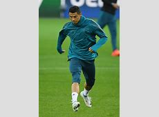 CR7 Trains in Signature Chapter 5 Mercurial SoccerBible