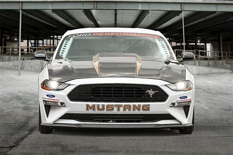 Ford Mustang Cobra Jet Takes Drag Racing To A Whole New