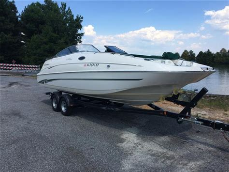 Monterey Deck Boats For Sale by 2001 Used Monterey 240 Explorer Sport Deck Boat For Sale