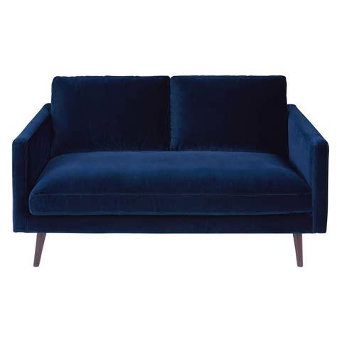 canap velours bleu canapé 2 places en velours bleu nuit kant maisons du monde
