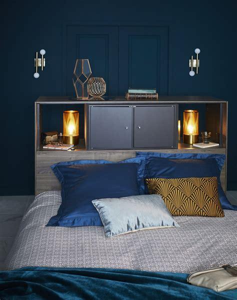 Mur Bleu Canard Coussin Et Mur Bleu Canard Pour Une Chambre D 233 Co Leroy Merlin