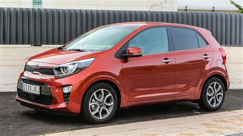 It has a ground clearance of 172 mm and dimensions is 3595 mm l x 1595 mm w x 1495 mm h. Kia Picanto - News, Foto, Video, Listino | Motor1.com