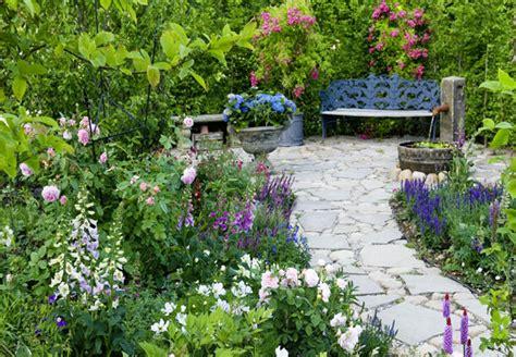 Tipps Zur Gestaltung Eines Landhausgartens  Obi Ratgeber