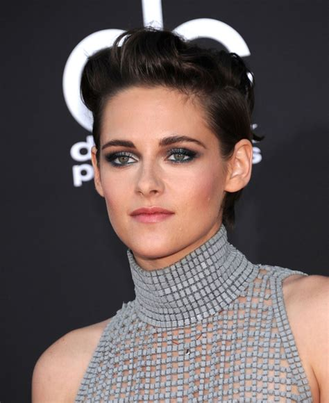 kristen stewart sleek short hair 2014
