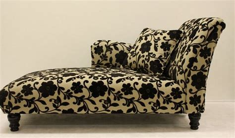 chaise lounge adding  classic piece   home
