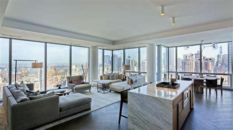 tom bradys nyc apartments  high  paparazzi proof