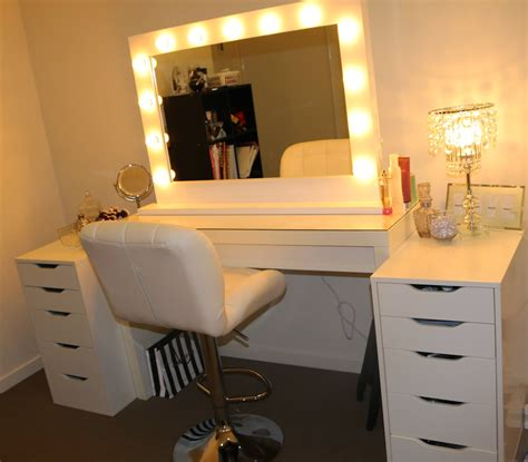 makeup desk with lighted mirror http roguehairextensions blogspot com 2014 11 ikea