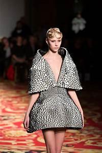 Stratasys' Multi-Material 3D Printing Technology + Fashion ...
