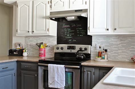 Gray Backsplash Kitchen : Grey And White Kitchen Makeover